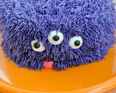 1-5-easy-monster-cakes-for-toddlers-diythought