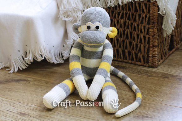 11-10-diy-adorable-sock-toys