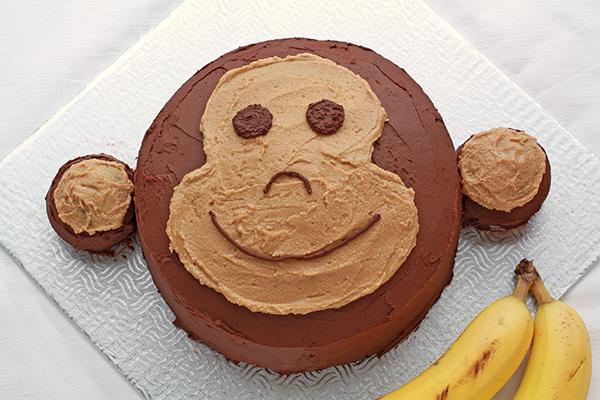 10-12-super-simple-kids-birthday-cakes