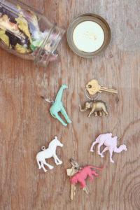1a-5-plastic-animal-crafts