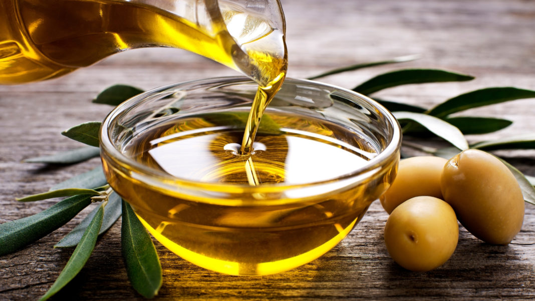 Natural oil for the skin