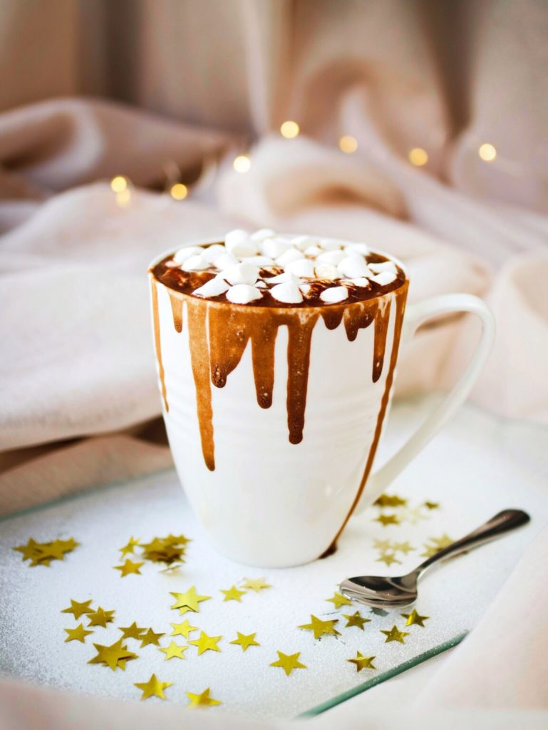 10 Fun Ideas To Celebrate New Year's Eve At Home- hot chocolate